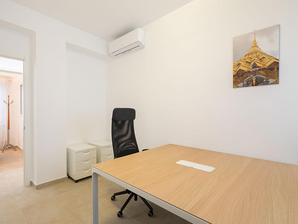 innovation-coworking-ufficio-privato-due-postazioni-tiburtina-casal-bruciato-wifi-condizionata- segretaria-telefonica