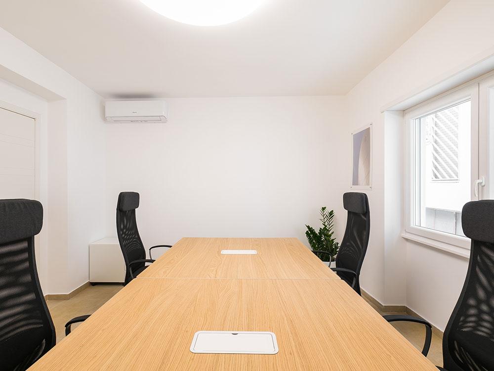 innovation-coworking-Stanza-quadrupla-tiburtina-casal-bruciato-wifi-condizionata-segretaria-telefonica